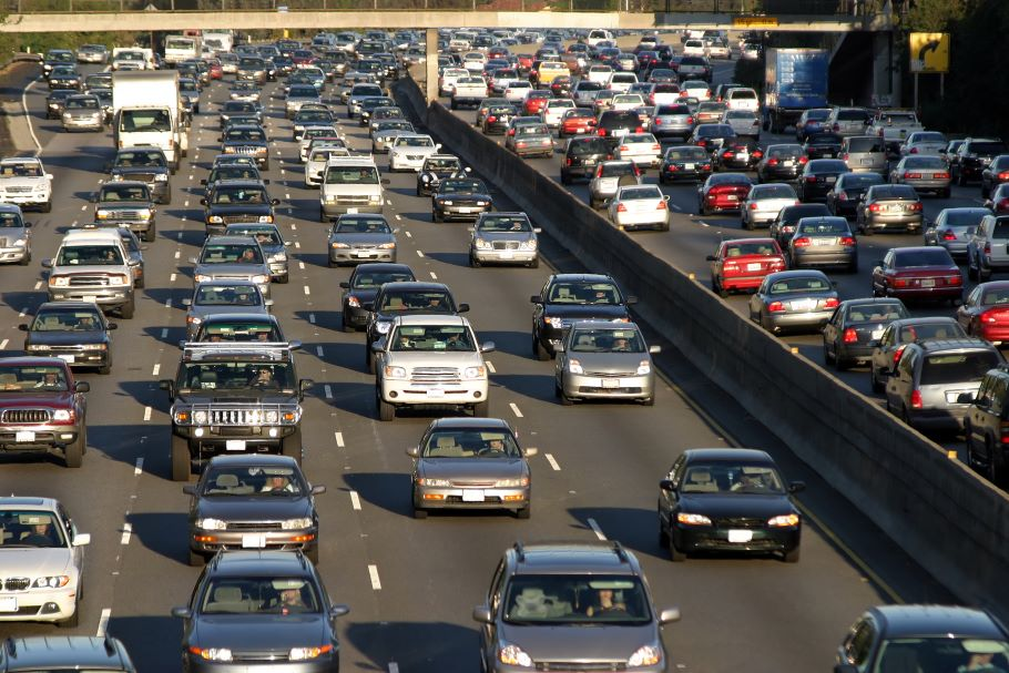 Heavy traffic in LA covers 8 lanes of highway in two directions