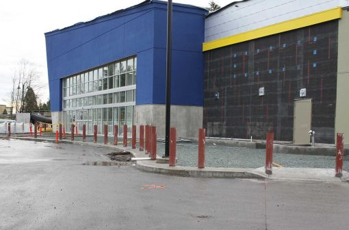 R-1007-06 steel pipe security bollards help to protect building perimeter