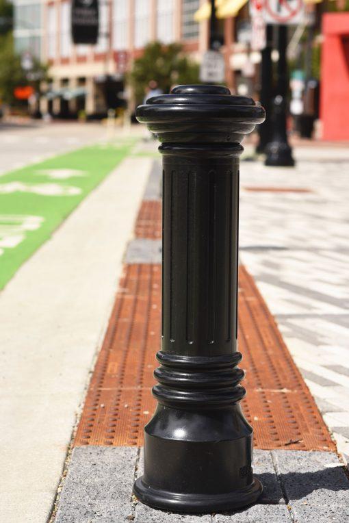 R-7591 decorative cast iron bollard