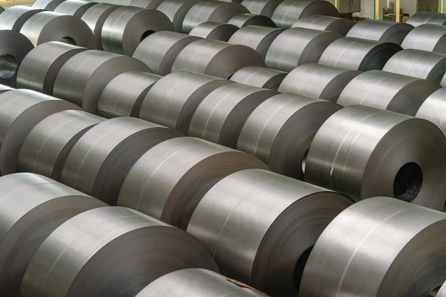 Pilas de rollos de láminas de acero laminado en frío