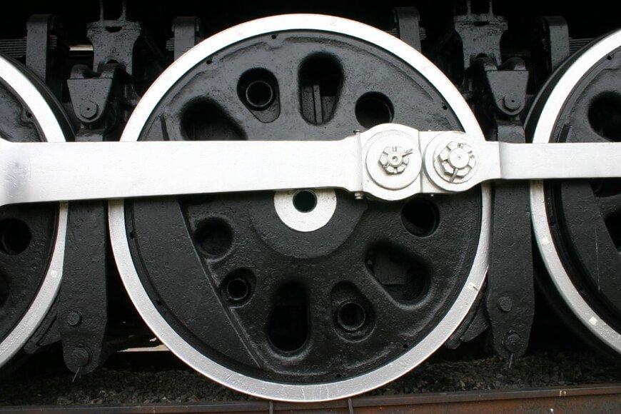 Cast steel train wheels