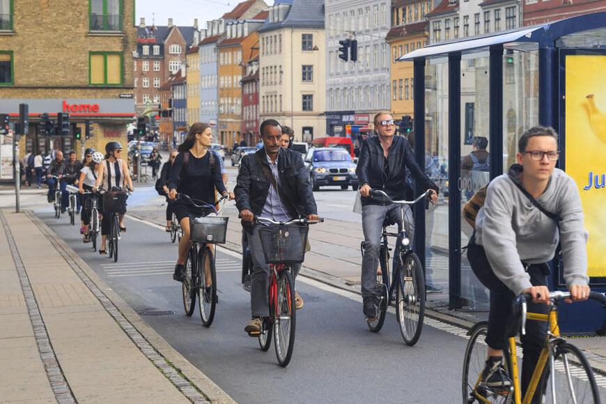 Bike traffic at Copenhagen road shows European bike-transit integration