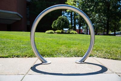 un cicloestacionamiento circular
